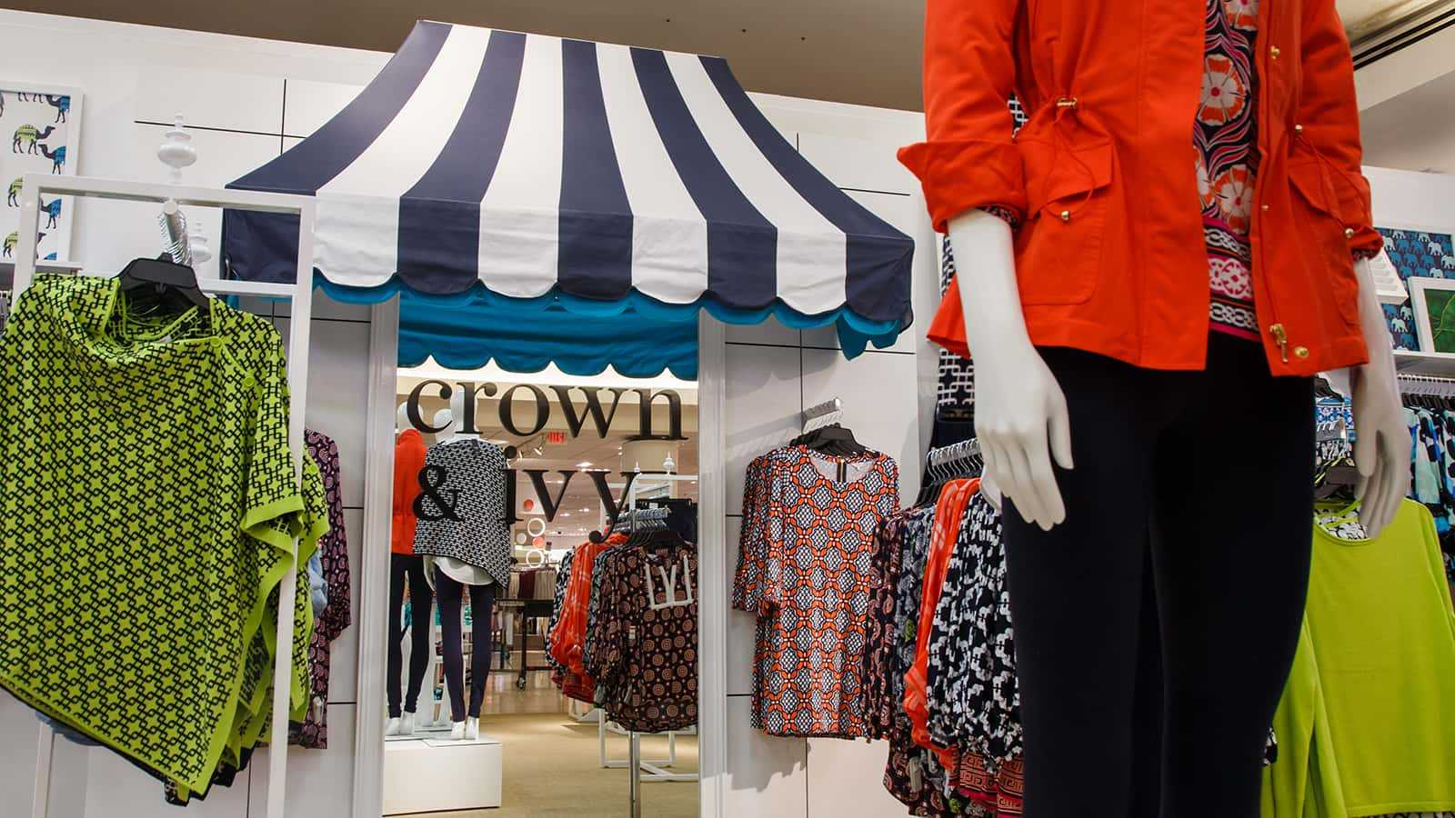 Logo mirror and awning of the Crown & Ivy shop-in-shop 2016.